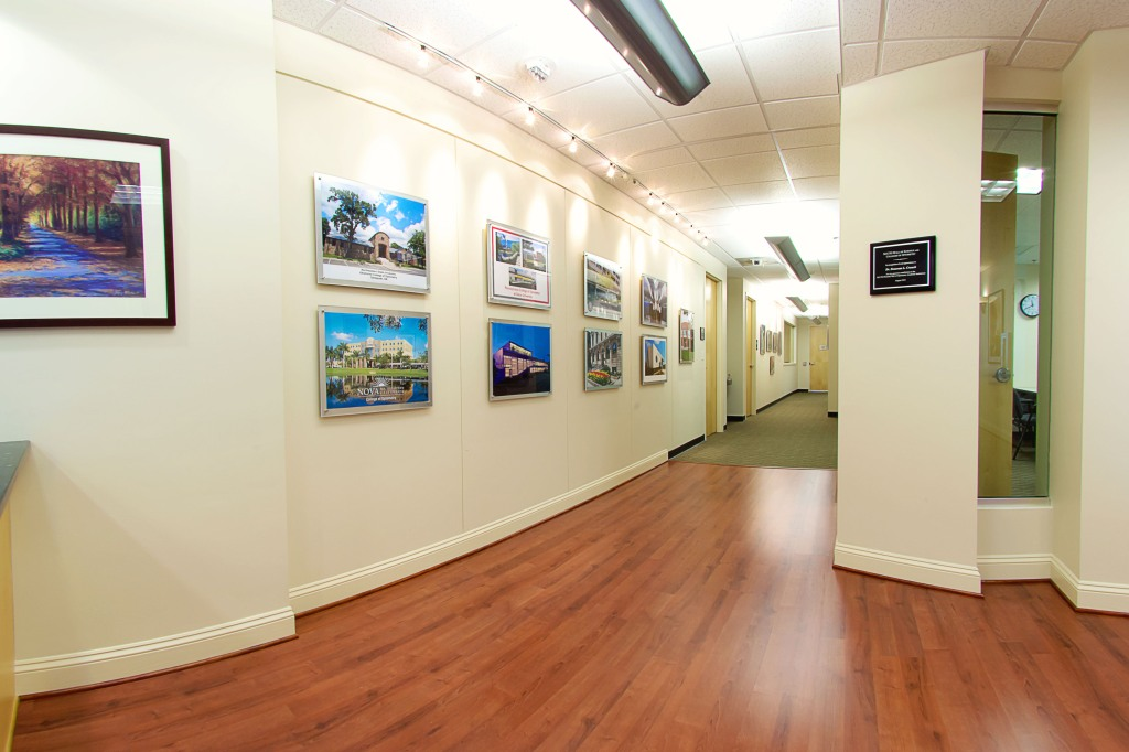 commercial real estate photography : gallery wall
