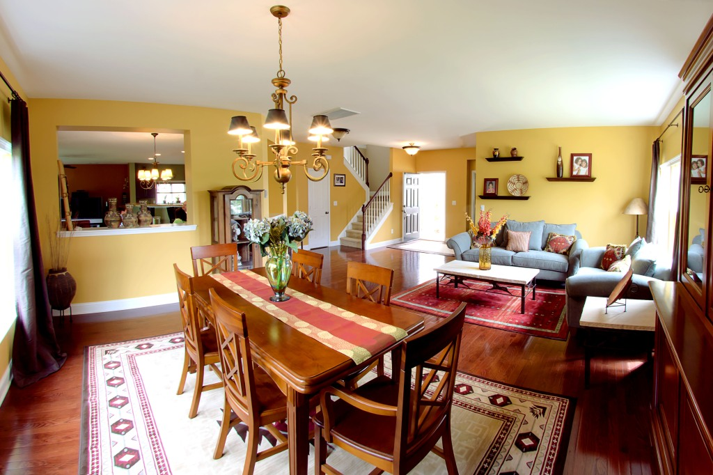 real estate photography :  dining room