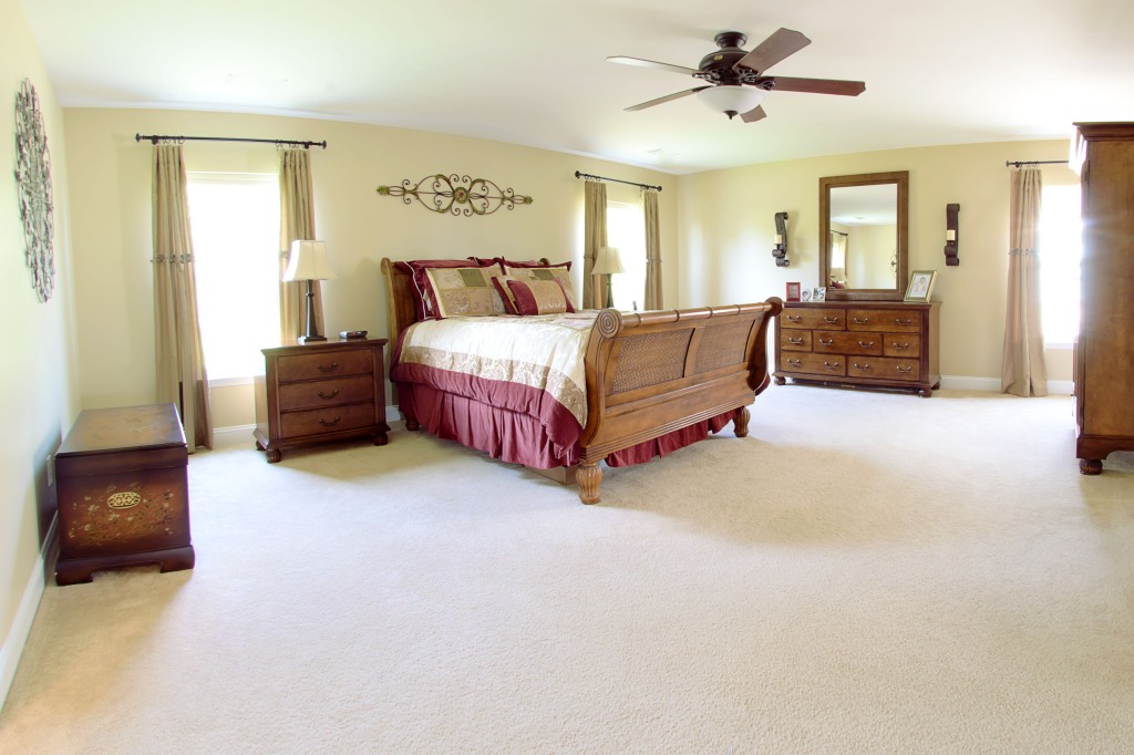 real estate photography :  master bedroom