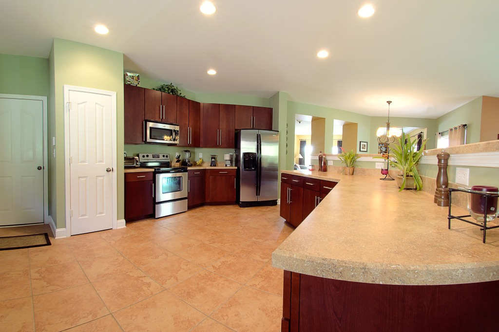 real estate photography :  kitchen